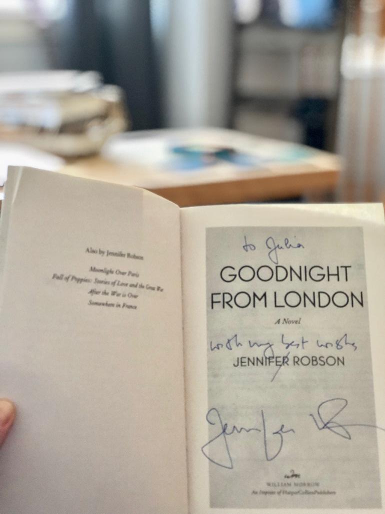Jennifer Robson's signature